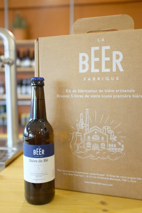 Kit de fabrication pour brasser de la bière blanche